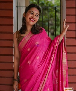 Dark pink 100 count linen sarees with butti