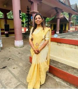 Pure handloom golden tissue sarees with big border